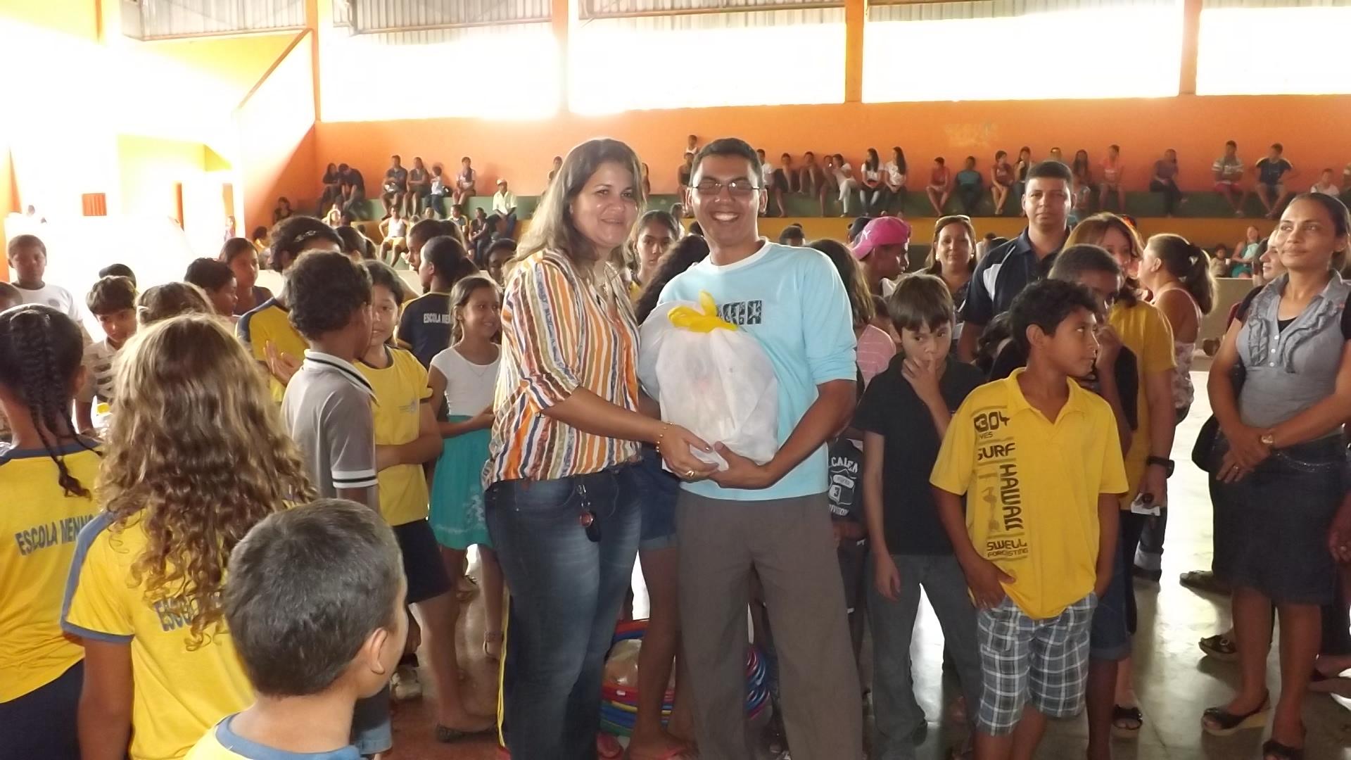Escola Menno Simons,sendo premiada,2º lugar.