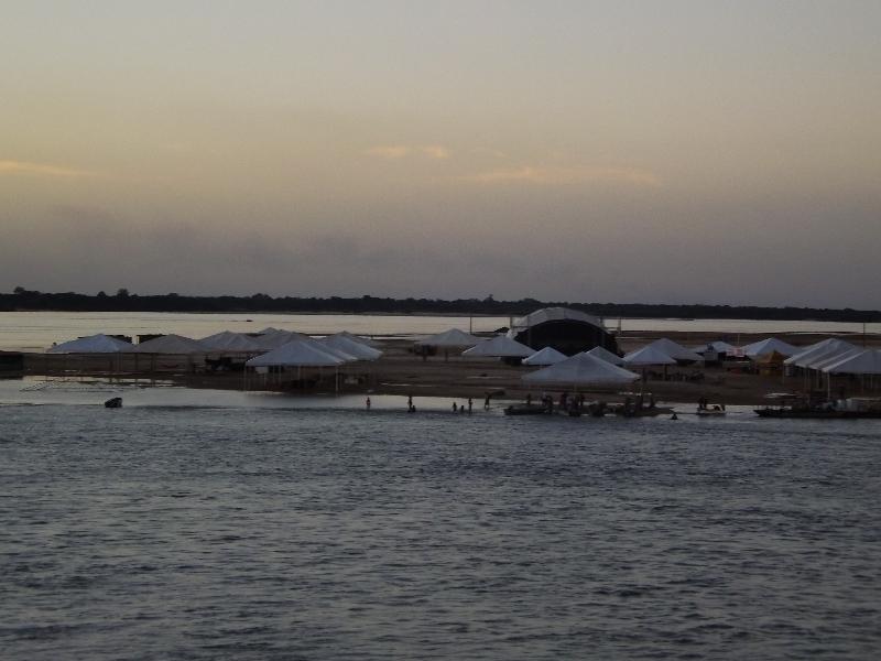 Temporada de Praia em Araguacema.