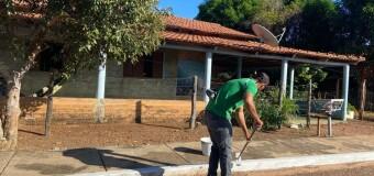 18.06.2021 A Prefeitura Municipal, através da Secretaria Municipal de Infraestrutura e Urbanismo realizou a limpeza, roço e pintura de meio fio da zona urbana
