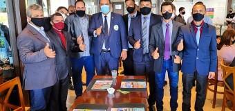 O Prefeito Marquinho juntamente com os vereadores de Araguacema, estiveram no Congresso Nacional em Brasília
